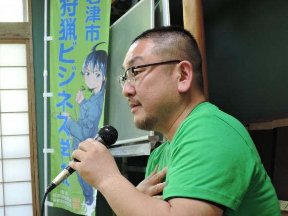 講演する原田さん