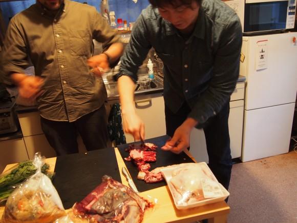 用意していた鹿肉で試し切り